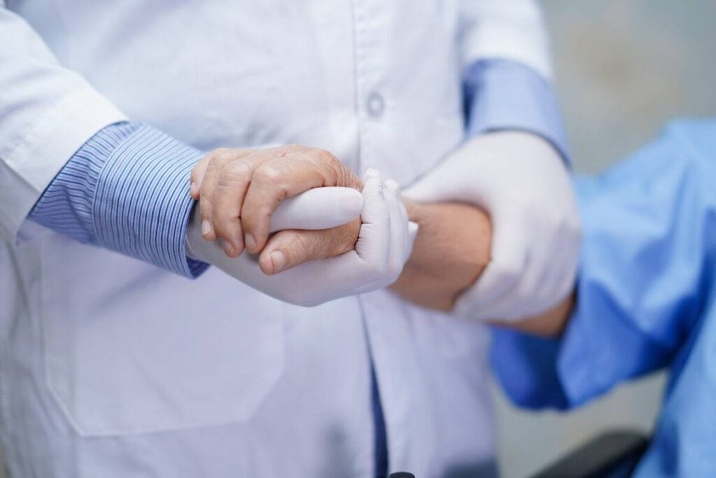 علاج الشلل الرباعي