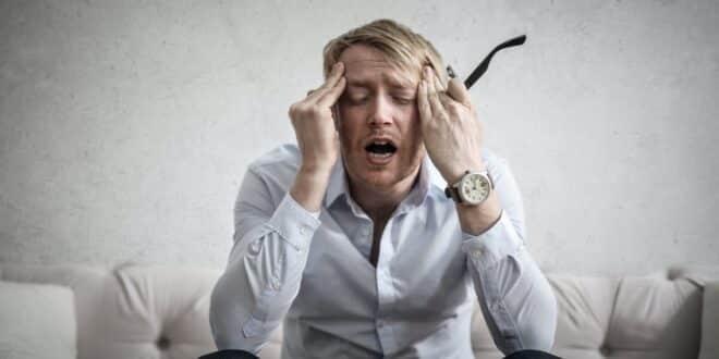 اسباب الصداع المستمر وعلاجه